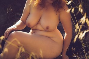 Lauriane call girl & happy ending massage