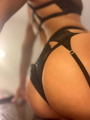 Magaly erotic massage & live escort