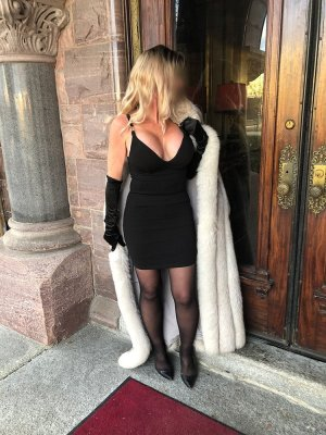 Priscia escort girl in Moody, happy ending massage
