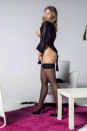 Anna-christina live escorts & nuru massage