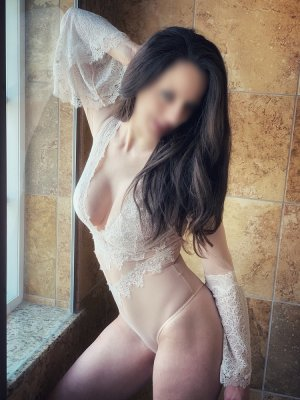 Lysa escort in Miami & nuru massage