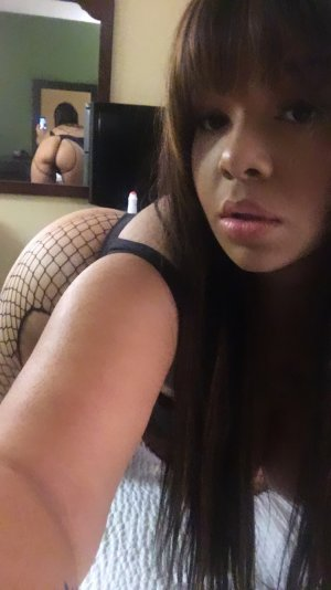 Anouche massage parlor in Titusville Florida & escort girl