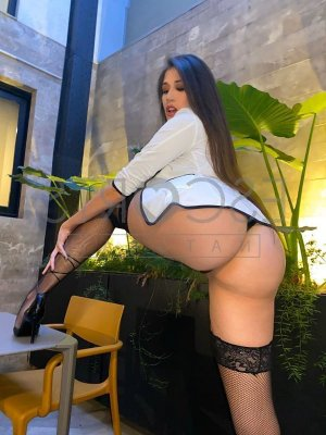 Oumayma escorts in East Rancho Dominguez California and erotic massage